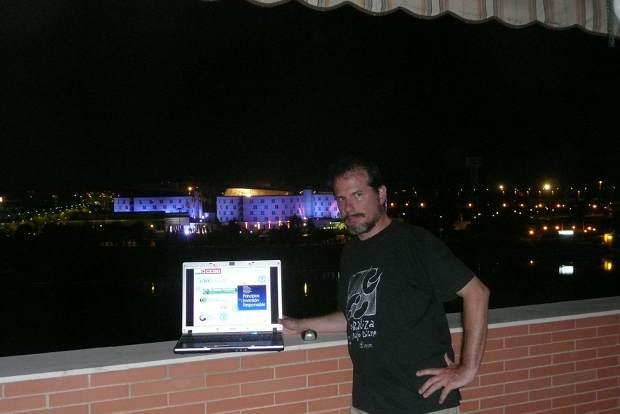 Delante del Hotel Barceló en Sevilla